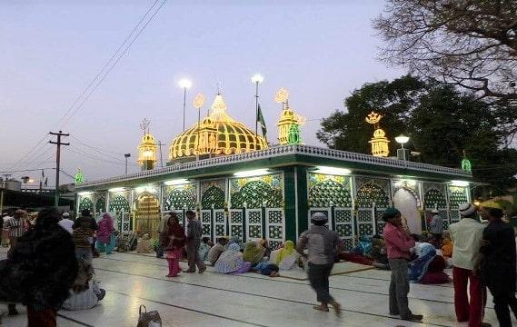 Piran Kaliyar Sharif Dargah in Hindi | पिरान कलियर शरीफ दरगाह